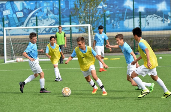 Fußballtraining Jungen Sprachreise Manchester City Football Language School