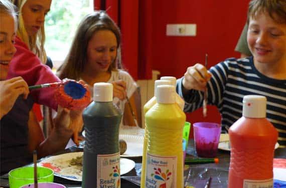 Im HandcraftCamp wird gemalt