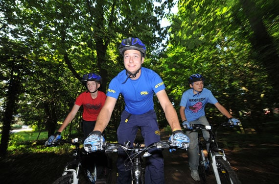 Mountain Biking im Scottish Adventure Camp Dalguise