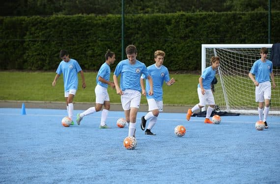 Fußballtraining Jungen Sprachreise Manchester City Football Language School UK