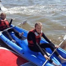 Wassersport- und ActionCamp Föhr Kinder beim Kanu Fahren