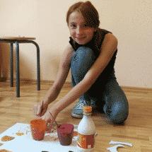 Mölln Mädchen malt