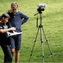 Spitzingsee zwei Jungs mit Kamera