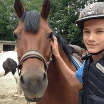 Pinneberg Junge mit Pferd