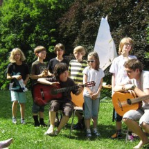 Junge Gitarrenkünstler im MusikCamp Freusburg