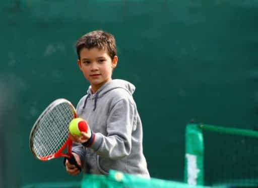 Aufschlagtraining im Oskar-Tennis DayCamp