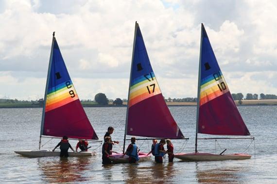 Im SegelCamp Majuwi werden verschiedene Boote benutzt.