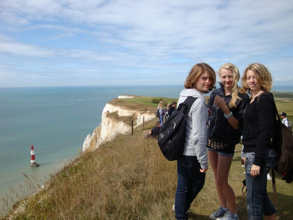 In Beachy Head Mädchengruppe auf Sprachreise Hastings und London