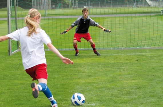 Torschuss im FussballCamp Berlin