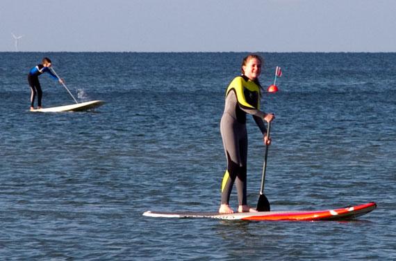 Stand-up-paddeling im Wassersport- und ActionCamp Föhr