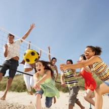 Beachvolleyball im Beach-, Sport- und KreativCamp Zerum